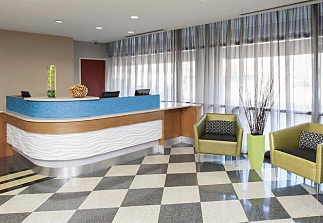 Photo 2 - SpringHill Suites Chicago O'Hare