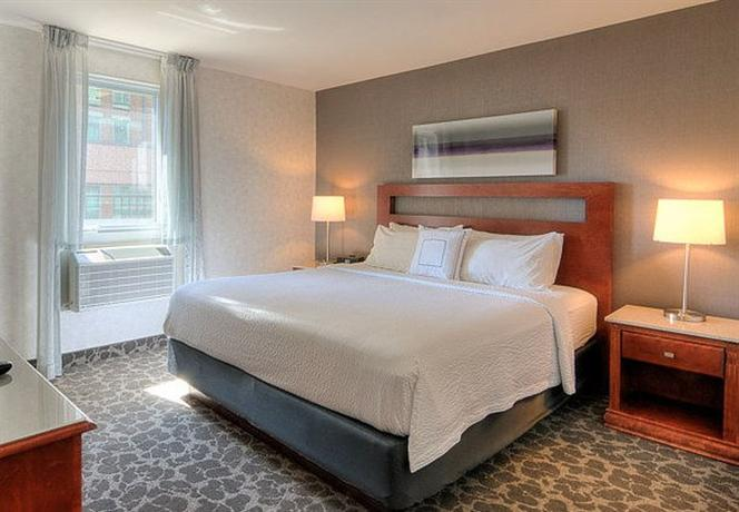 Photo 2 - Marriott SpringHill Suites Old Montreal