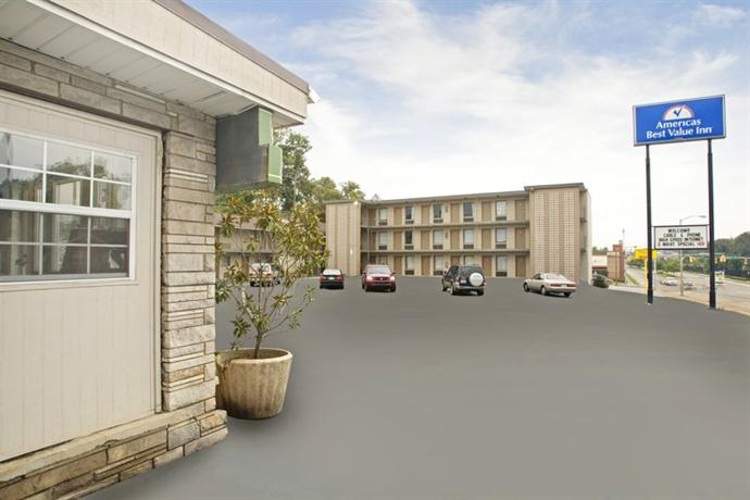 Photo 2 - Americas Best Value Inn - Knoxville Chilhowie