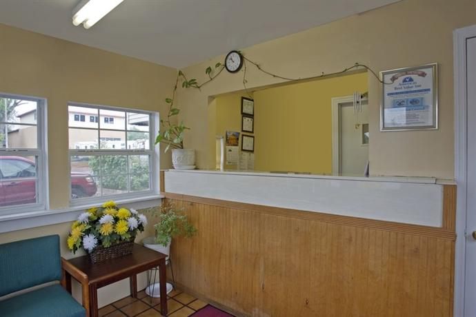 Photo 3 - Americas Best Value Inn - Knoxville Chilhowie