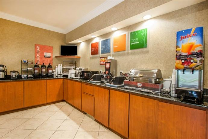 Photo 2 - Comfort Inn & Suites Germantown (Tennessee)