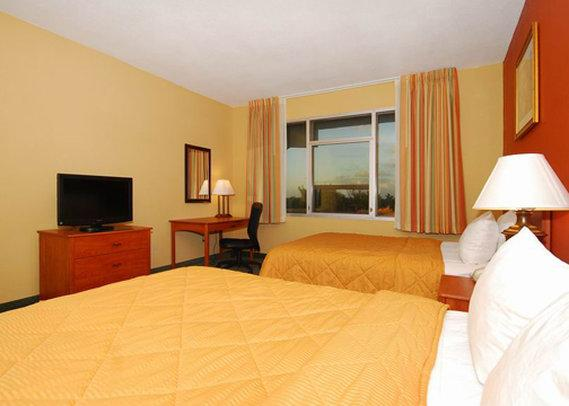 Photo 3 - Clarion Inn & Suites Miami International Airport