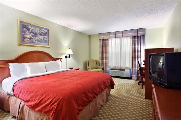 Photo 2 - Country Inn & Suites Charlotte Matthews