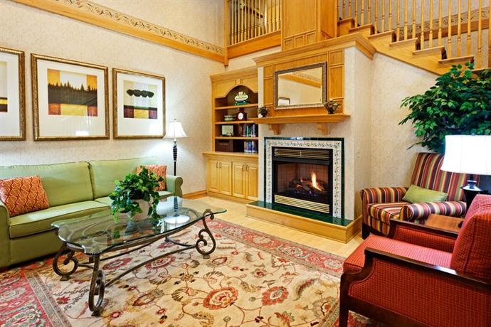 Photo 3 - Country Inn & Suites Harrisburg Northeast