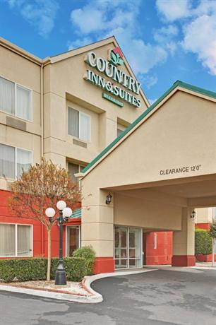 Photo 1 - Country Inn & Suites Fresno-North