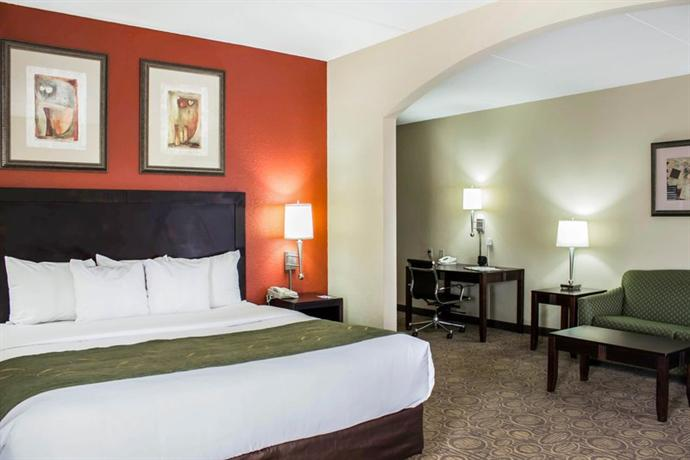 Photo 3 - Comfort Suites Cary