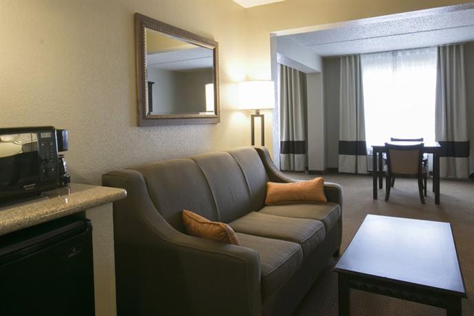 Photo 2 - Comfort Suites Austin Airport