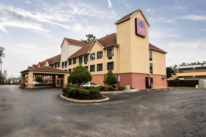 Photo 1 - Comfort Suites Wilmington (North Carolina)