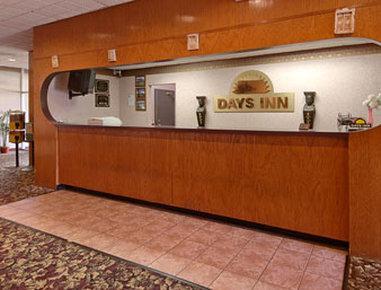 Photo 2 - Days Inn Durham (North Carolina)