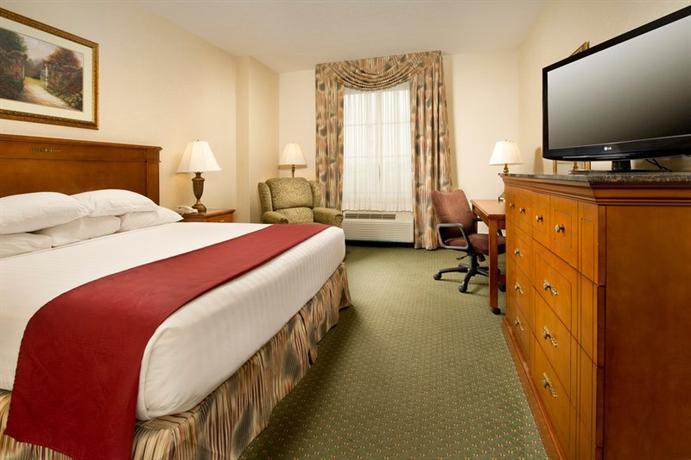 Photo 3 - Drury Inn & Suites Greenville