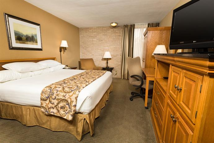 Photo 3 - Drury Inn & Suites San Antonio Airport