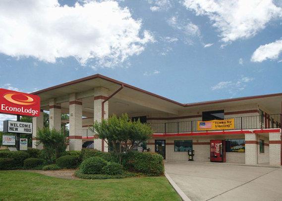 Photo 1 - Econo Lodge East San Antonio