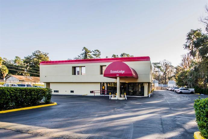 Photo 1 - Econo Lodge University Gainesville