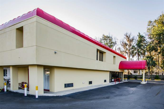 Photo 3 - Econo Lodge University Gainesville