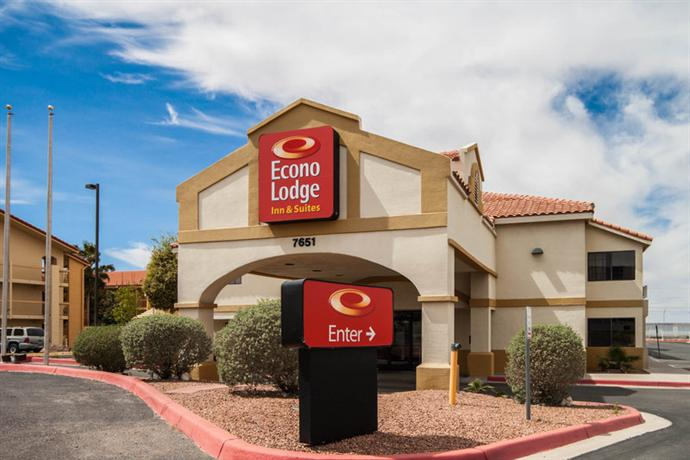 Photo 2 - Econo Lodge Inn & Suites El Paso