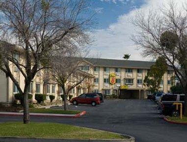 Photo 1 - Super 8 Motel - Sacramento