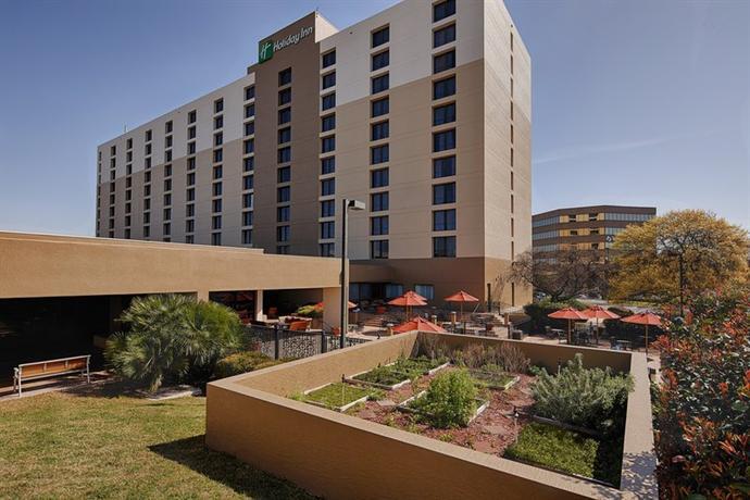 Photo 1 - Holiday Inn San Antonio International Airport