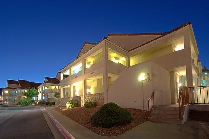 Photo 1 - Holiday Inn Sunland Park El Paso