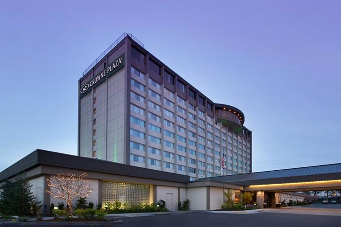 Photo 1 - Crowne Plaza Seattle Airport