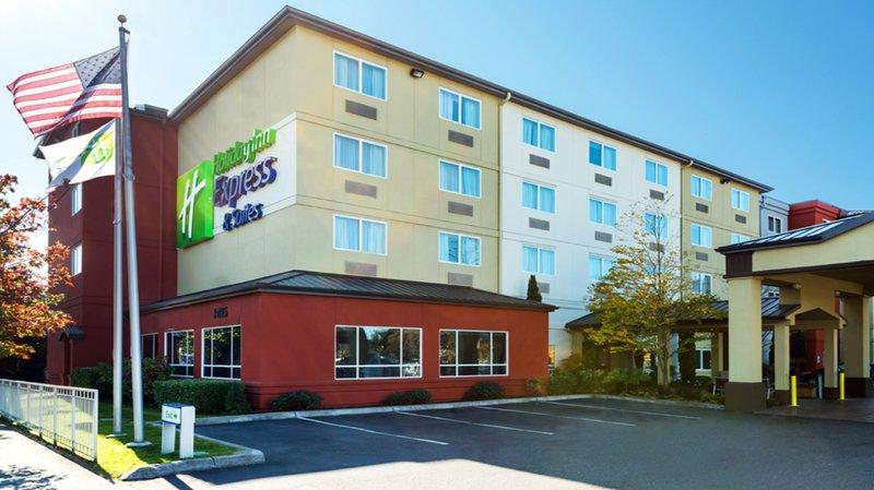 Photo 1 - Holiday Inn Express Hotel & Suites Seattle