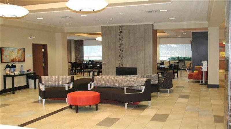 Photo 3 - Holiday Inn Express Hotel & Suites Seattle