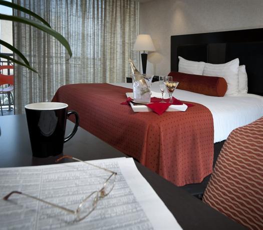Photo 2 - El Tropicano Riverwalk Hotel