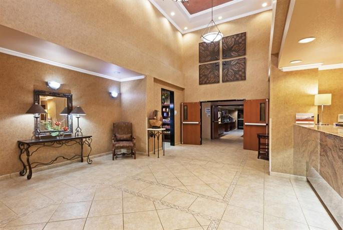 Photo 3 - Holiday Inn Express Hotel & Suites Northwest Austin
