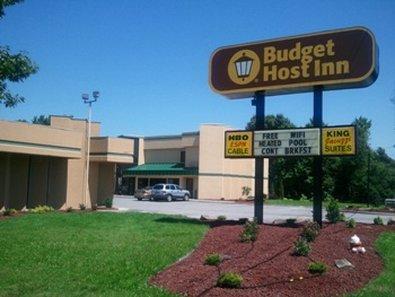 Photo 1 - Best Budget Inn North