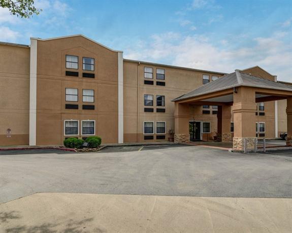 Photo 2 - Comfort Inn Little Rock