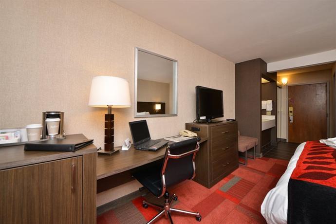 Photo 2 - Radisson Hotel Madison