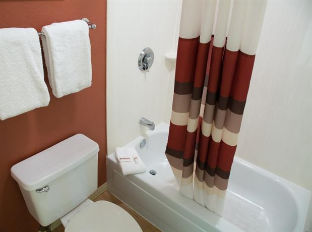 Photo 3 - Red Roof Inn Madison (Wisconsin)