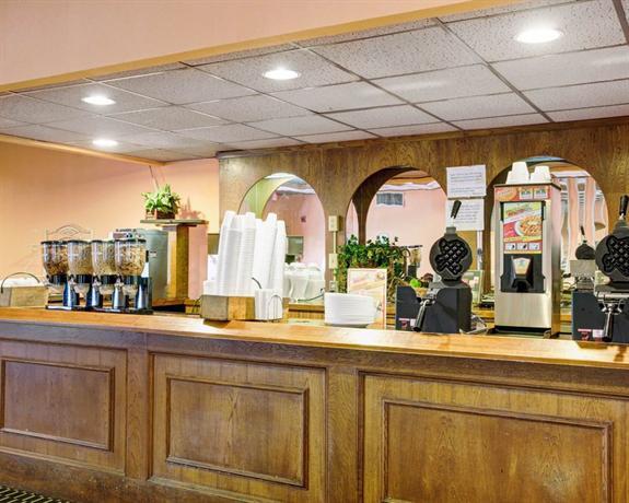 Photo 2 - Rodeway Inn New Braunfels