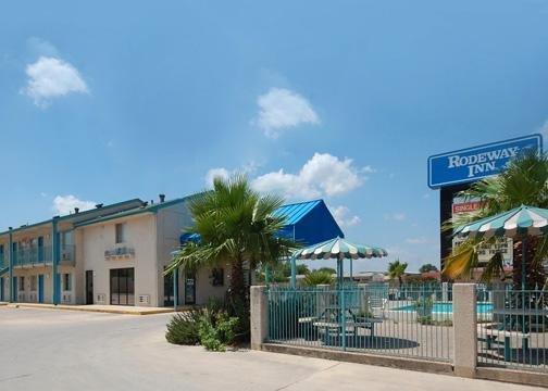Photo 1 - Rodeway Inn San Antonio Near AT&T Center