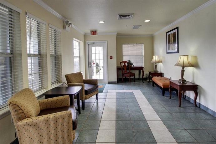Photo 2 - Sun Suites of Metairie