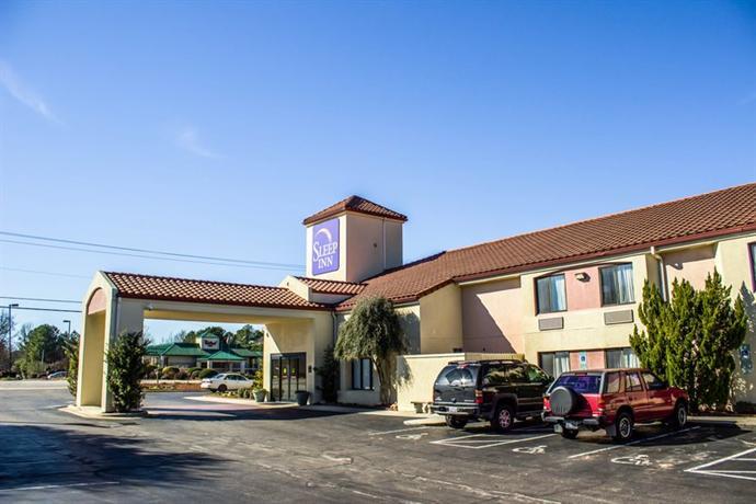 Photo 2 - Sleep Inn Fayetteville (North Carolina)