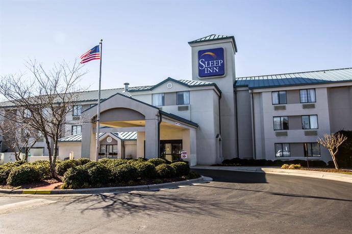 Photo 2 - Sleep Inn Wilmington (North Carolina)