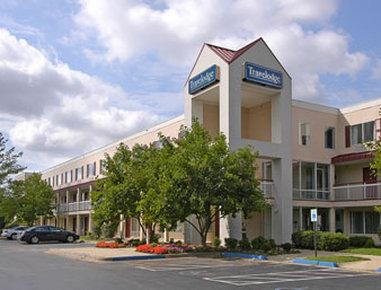 Photo 1 - Travelodge Hotel Cincinnati Sharonville