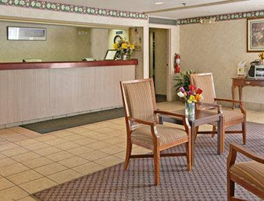 Photo 2 - Travelodge Hotel Cincinnati Sharonville