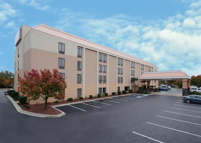 Photo 1 - Best Western Plus University Inn Wilmington