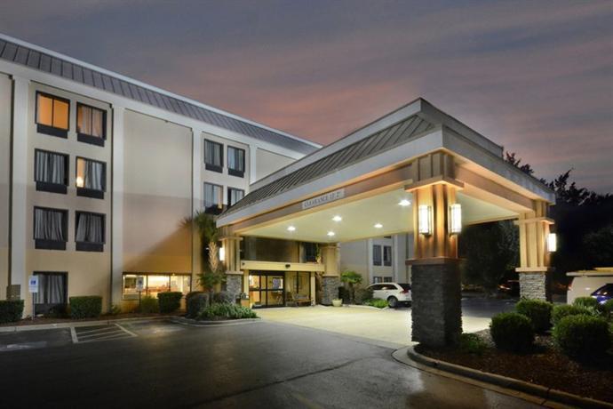 Photo 2 - Best Western Plus University Inn Wilmington