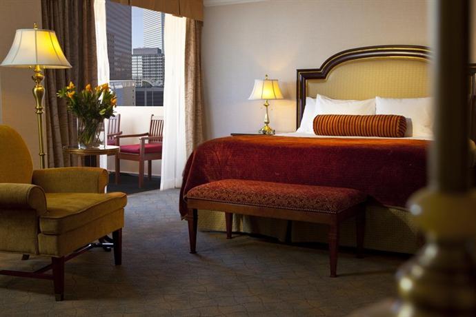 Photo 3 - Warwick Denver Hotel