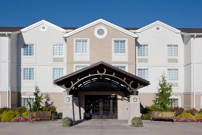 Photo 1 - Staybridge Suites Cleveland Mayfield Hts