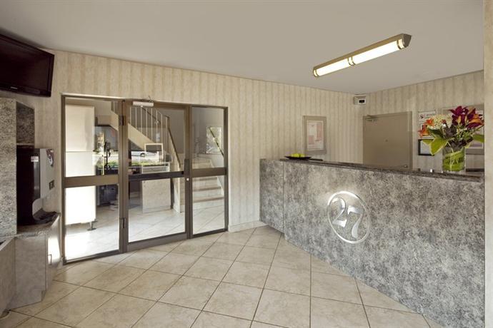 Photo 3 - Canadas Best Value Inn Toronto