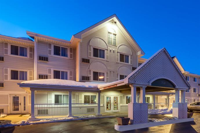 Photo 1 - Country Inn & Suites Winnipeg