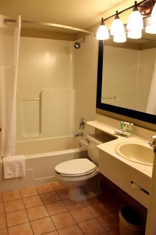 Photo 3 - Country Inn & Suites Winnipeg