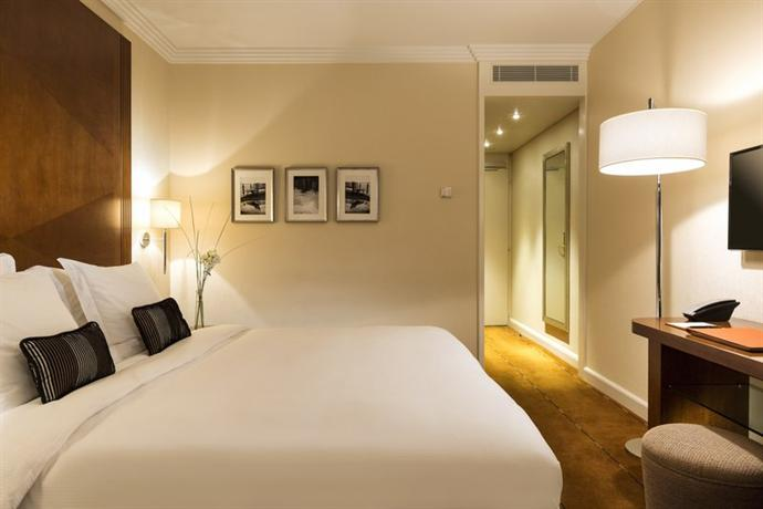 Photo 2 - Hotel Warwick Geneva