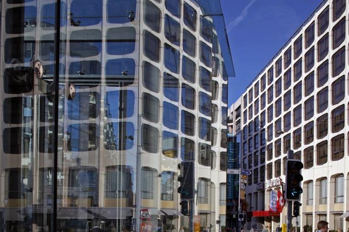 Photo 3 - Hotel Warwick Geneva