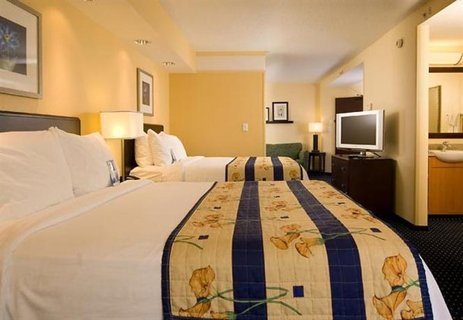 Photo 3 - SpringHill Suites Orlando Airport