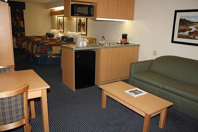 Photo 3 - Guest House Suites El Paso Airport