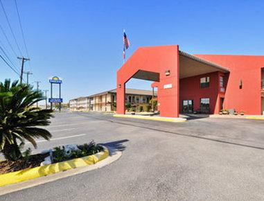 Photo 1 - Days Inn San Antonio